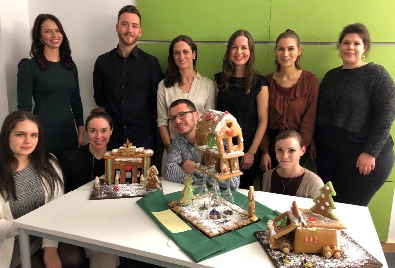 SOLUTE-Gruppenfoto zur Weihnachtsfeier