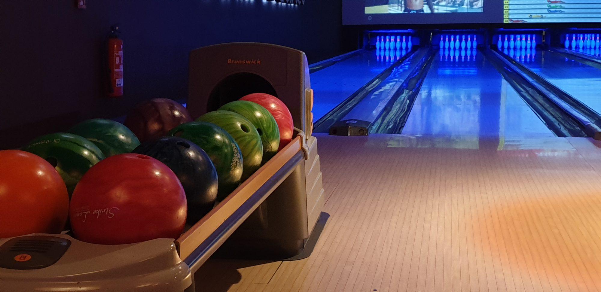 Foto der Bowlingbahn beim Teamevent